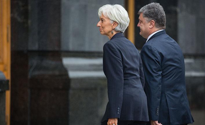 Президент Украины Петр Порошенко во время встречи с директором-распорядителем МВФ Кристин Лагард в Киеве