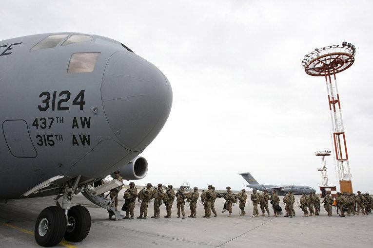 "Центр транзитных перевозок ВВС США на базе ""Манас"""