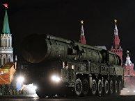 """Комплекс РС-24 """"Ярс"""" на репетиции военного парада на Красной площади"""