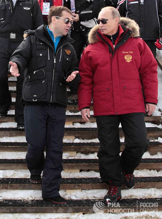 """Д. Медведев и В.Путин посетили горнолыжный комплекс """"Роза Хутор"""""""