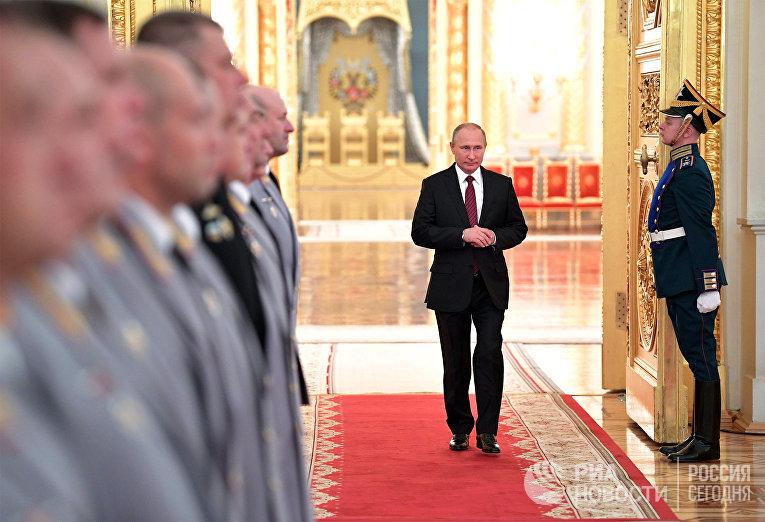 Президент РФ Владимир Путин во время встречи с высшими офицерами в Кремле. 26 октября 2017