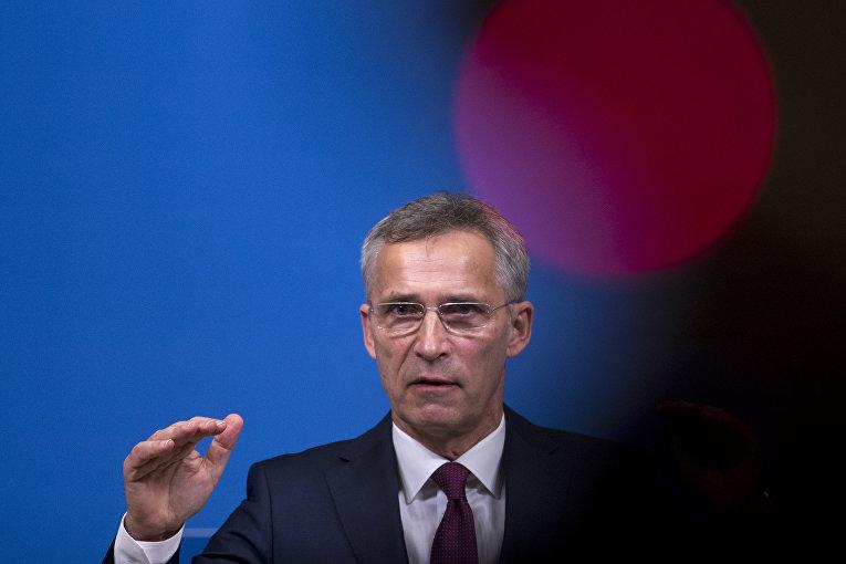 Генеральный секретарь НАТО Йенс Столтенберг на пресс-конференции в штаб-квартире НАТО в Брюсселе. 24 октября 2018