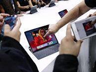 Пленшетный компьютер Apple iPad Pro во время пресс-показа в Нью-Йорке