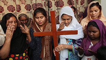 Пакистанские христиане молятся за Азию Биби