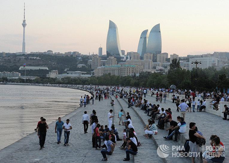 На набережной Баку