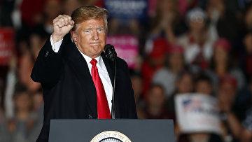 Президент США Дональд Трамп на митинге в штате Иллинойс. 27 октября 2018