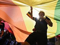 Участники гей-парада в Приштине