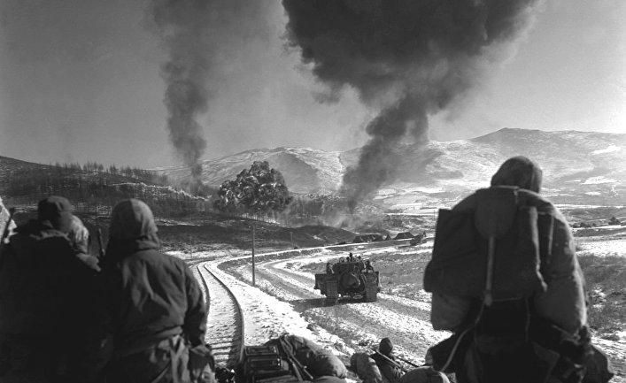 Американские морпехи сражаются с китайскими частями, декабрь 1950 года