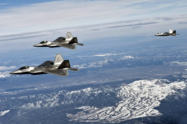 Многоцелевой истребитель пятого поколения F-22 «Рэптор»