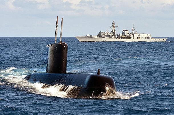 Подводная лодка типа 209 SAS Charlotte Maxeke (S102) ВМФ ЮАР и британский фрегат HMS Portland