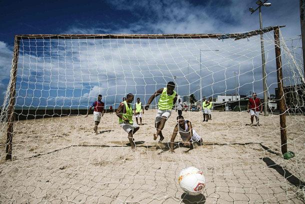 Матч пелада на пляже в городе Рисифи