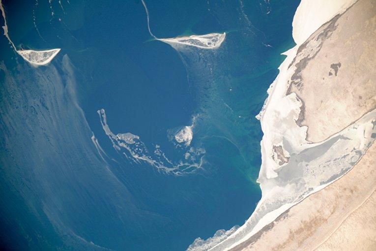 Вид из космоса на Аральское море
