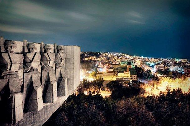 Памятник болгаро-советской дружбы в Варне, Болгария