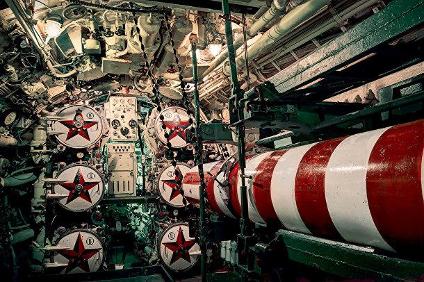 Советская подводная лодка У-475 «Черная вдова», пришвартована неподалеку от города Рочестер, Великобритания