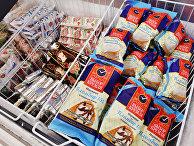 """Продукция марки """"Кремлевское качество"""" в одном из магазинов торгового дома """"Кремлевский"""""""