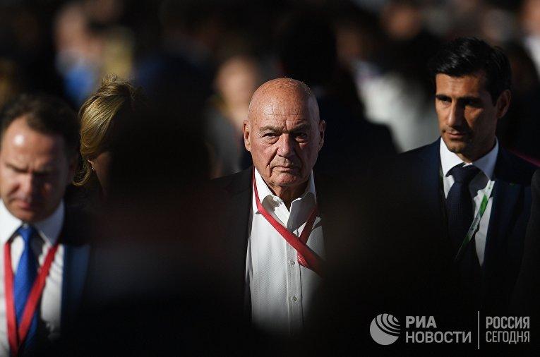 Журналист, телеведущий Владимир Познер на Петербургском международном экономическом форуме 2018