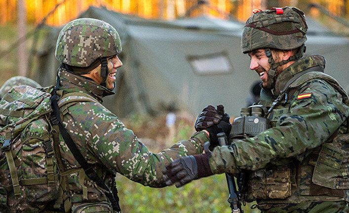 Учения словацких и испанских войск в Литве