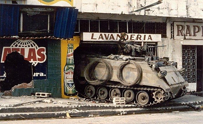 БТР M113 Сухопутных войск США в Панаме (21 декабря 1989)