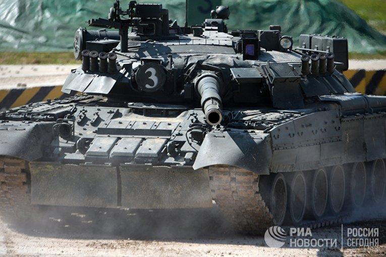 "Танк Т-90 на форуме ""Армия-2018"""