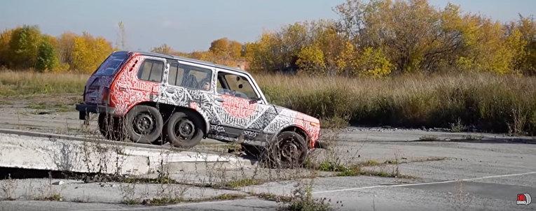 6x6 Lada Niva by Garage 54