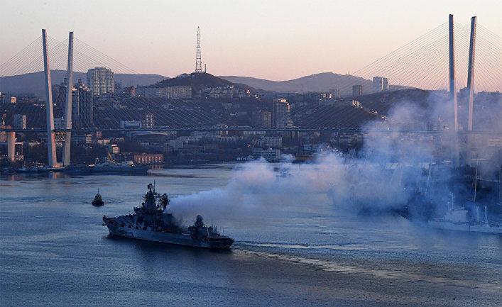 Встреча отряда боевых кораблей ТОФ в порту Владивостока