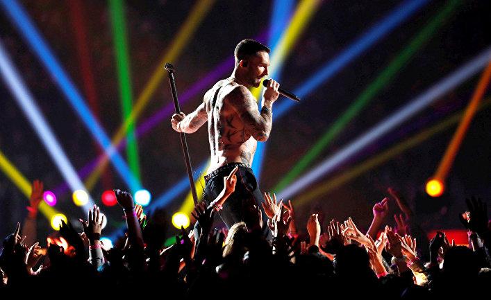 Вокалист Maroon 5 Адам Левин