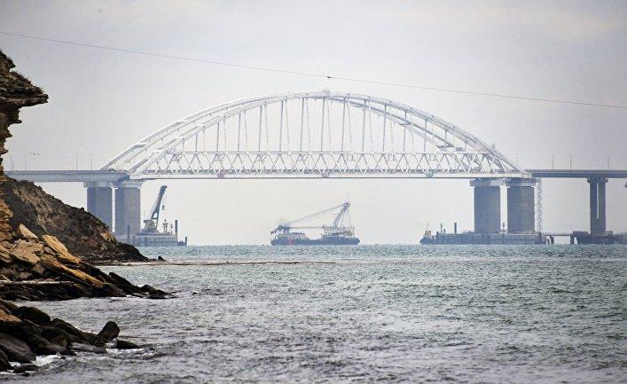 Судоходство в Керченском проливе  возобновлено