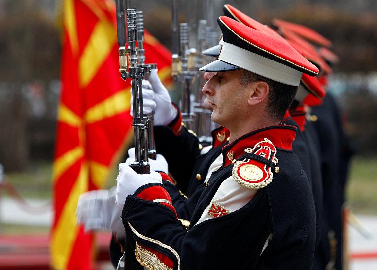 Почетный караул в Скопье, Македония