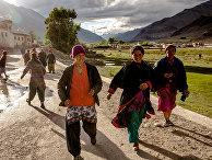 Девушки в Сани, Индия