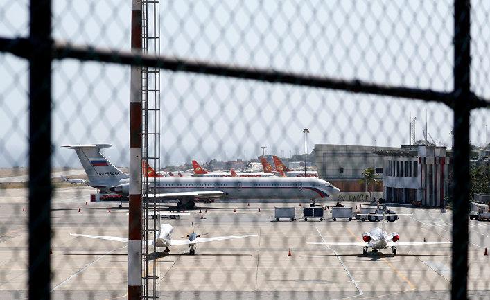 Российский самолет в Каракасе