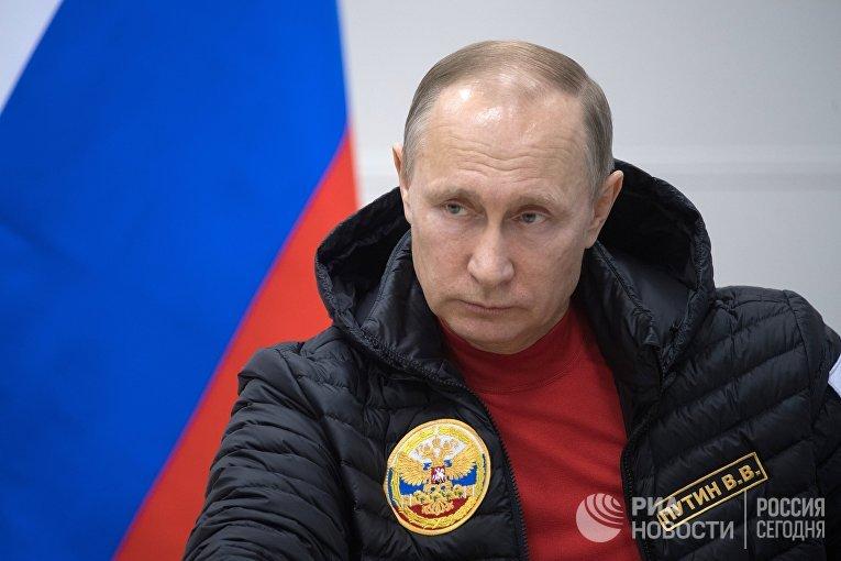 Рабочая поездка президента РФ В. Путина и премьер-министра РФ Д. Медведева в Северо-Западный федеральный округ