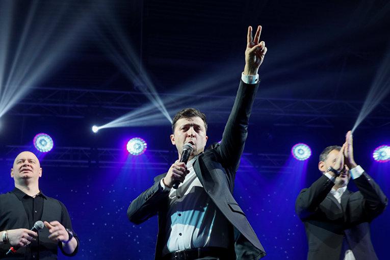Владимир Зеленский во время юмористического шоу на Украине