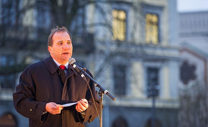 Премьер-министр Швеции Стефан Лёвен выступает в Стокгольме