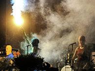 Акция Pussy Riot на концерте группы Faith No More в Москве