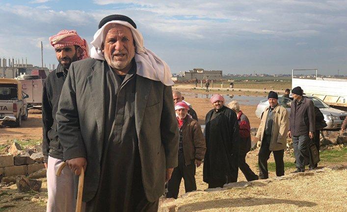 Беженцы покидают захваченную террористами провинцию Идлиб