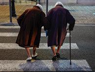 Пожилые люди в Ницце