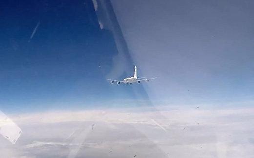 Су-27 перехватил самолеты США и Швеции над Балтикой