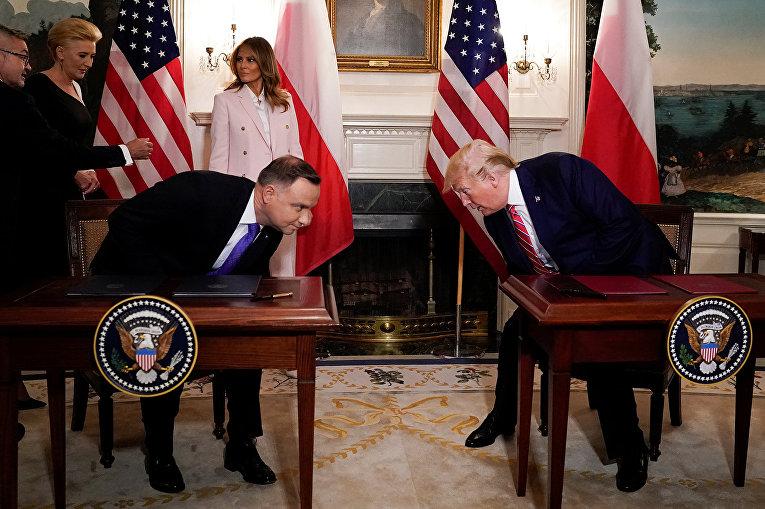 Президент США Дональд Трамп и президент Польши Анджей Дуда во время встречи в Вашингтоне