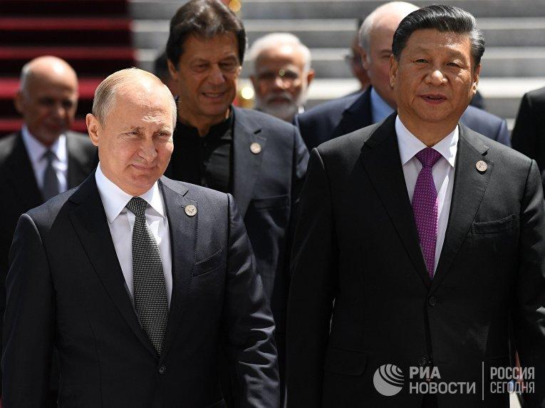 Президент РФ В. Путин принимает участие в заседании Совета глав государств – членов ШОС в Бишкеке