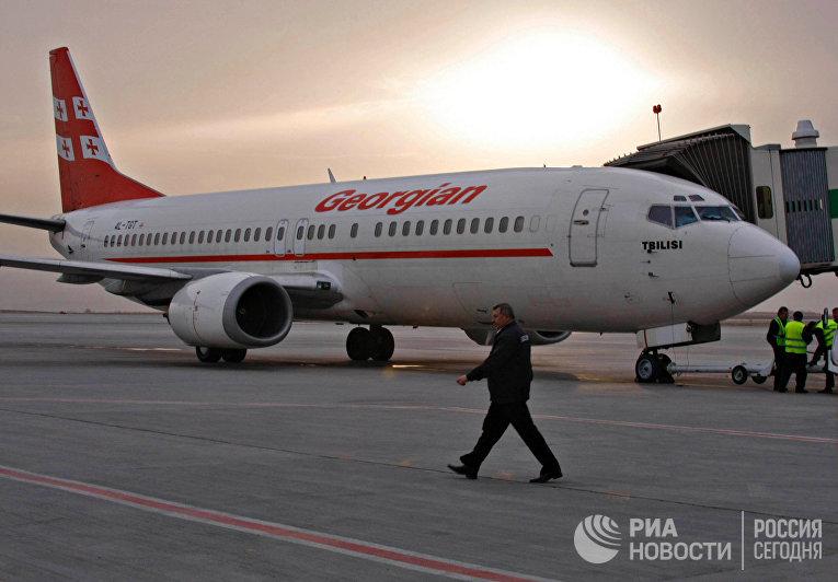 """""""Boeing-737-500"""" грузинской авиакомпании """"Айрзена - Грузинские авиалинии"""""""