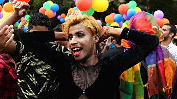 Участники гей-парада в Нью-Дейли, Индия