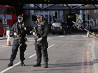 Вооруженные полицейские в Лондоне, Великобритания