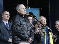 Михаил Ходорковский выступает на площади Независимости в Киеве