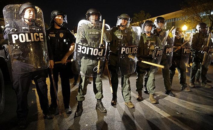 Полицейское оцепление на улице Балтимора