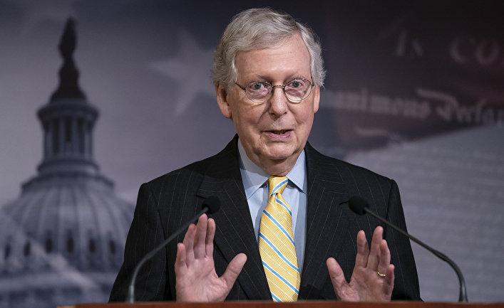 Сенатор Митч Макконнелл выступает в Вашингтоне