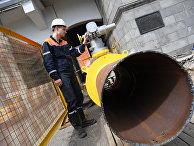 Установка автоматического запорного устройства с дистанционным управлением на газопроводе