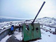 Артиллерийская батарея времен Великой Отечественной войны на побережье Кольского полуострова