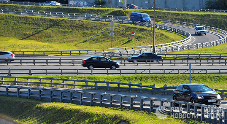 Транспортная развязка в районе пересечения Новорижского шоссе и московской кольцевой автодороги