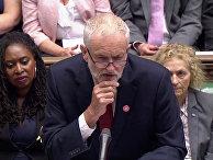Лидер британской оппозиционной Лейбористской партии Джереми Корбин выступает в парламенте