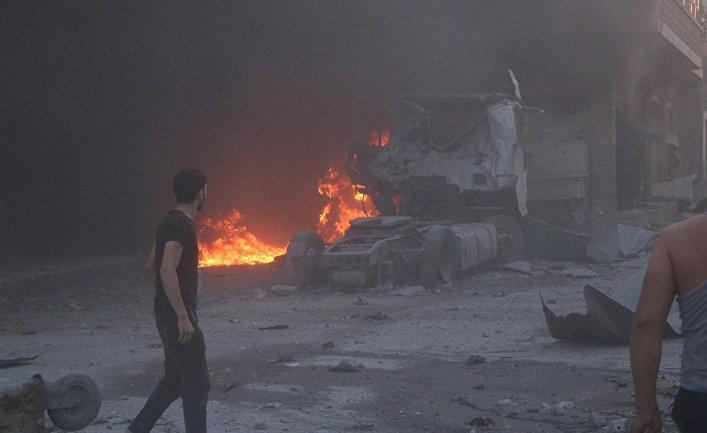 Последствия авиаудара в Маарат аль-Нуман, провинция Идлиб